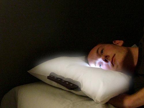 Подушка с будильником и подсветкой