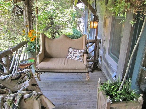 Дачные качели - идеи кресел-качалок во дворе.