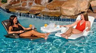Мебель для бассейна шезлонги