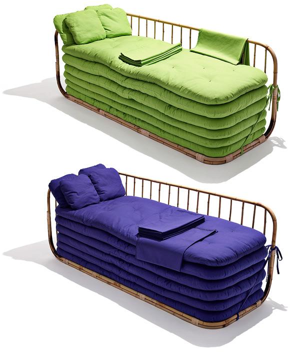 Софа-кровать из матрасов на 6 человек