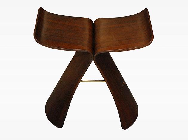 Дизайнер Сори Янаги, автор стула-слона и стула-бабочки.