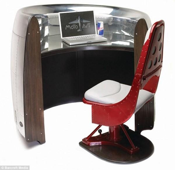 Мебель из останков самолета.