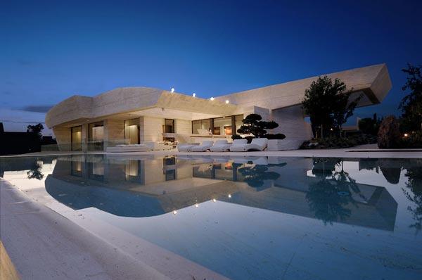 Примеры домов белого цвета - Белый цвет в архитектуре частных домов.