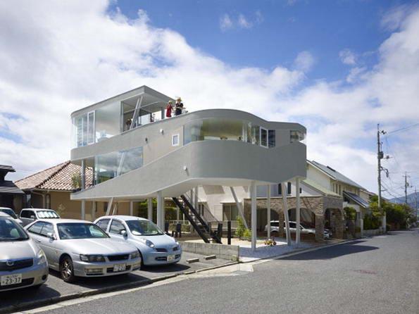Дом с оригинальной архитектурой