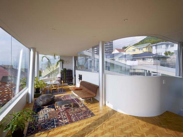 Дом с оригинальной архитектурой.