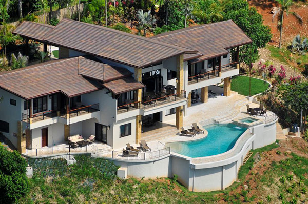 Проект дома в южном колониальном стиле.