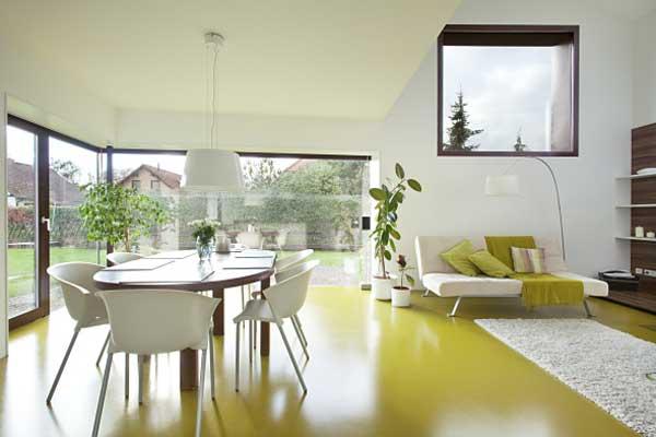 Избушка по-немецки - Экологичный дом с солнечной батареей.