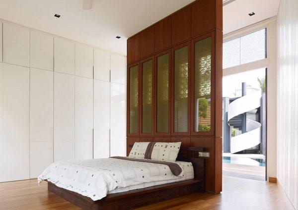Современный дом в Сингапуре П-образной формы.