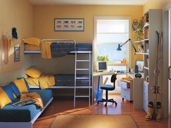 Комбинированная мебель для детской комнаты.
