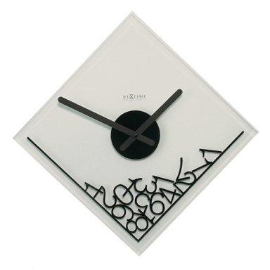 Часы символизируют песок времени