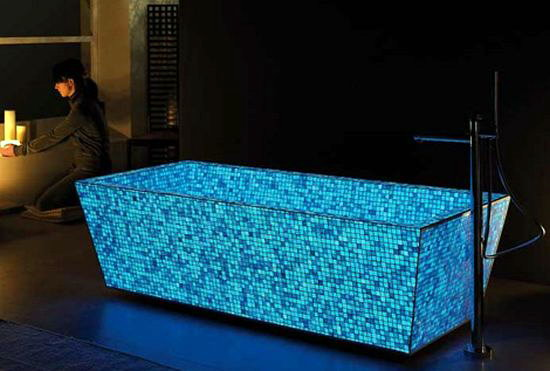 Светящаяся ванна из фотолюминисцентной мозаики