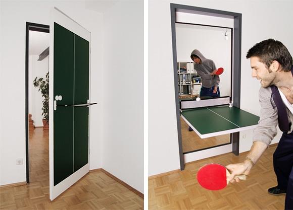 Дверь, трансформирующаяся в стол для пинг-понга