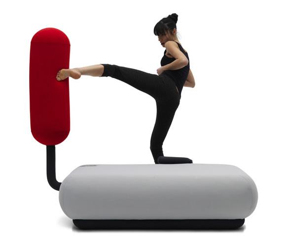 Диван-трансформер – спортивный снаряд для тренировок