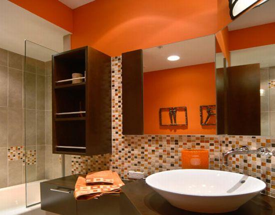 Оранжевый цвет в интерьере ванной