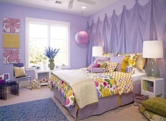 Фиолетовый цвет в интерьере комнаты