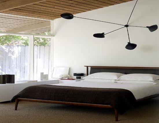 Спальня выглядит стильно