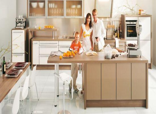 Интерьер кухни в коричневых отенках