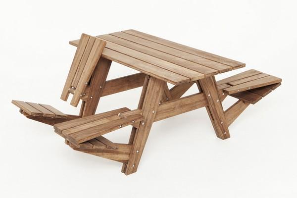 Удобный и оригинальный стол для отдыха на природе