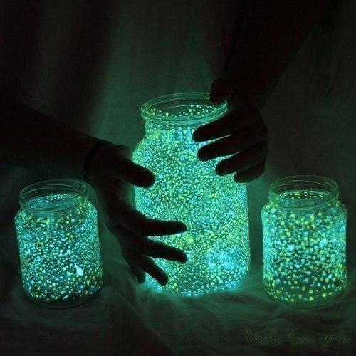 Банка, полная света - светильник из стеклянной банки.