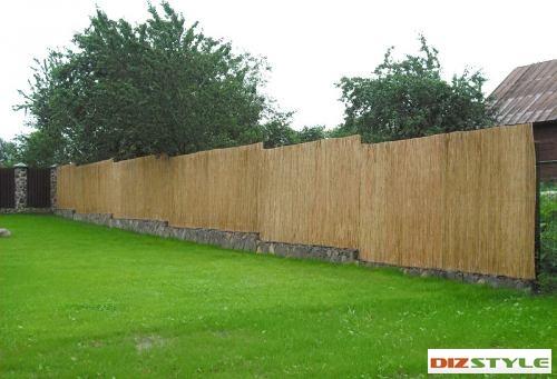 Забор, изгородь из тростникового полотна